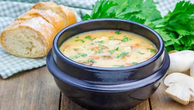 Zbliża się jesień? Z aplikacją rozgrzewające zupy za 2,20 PLN!